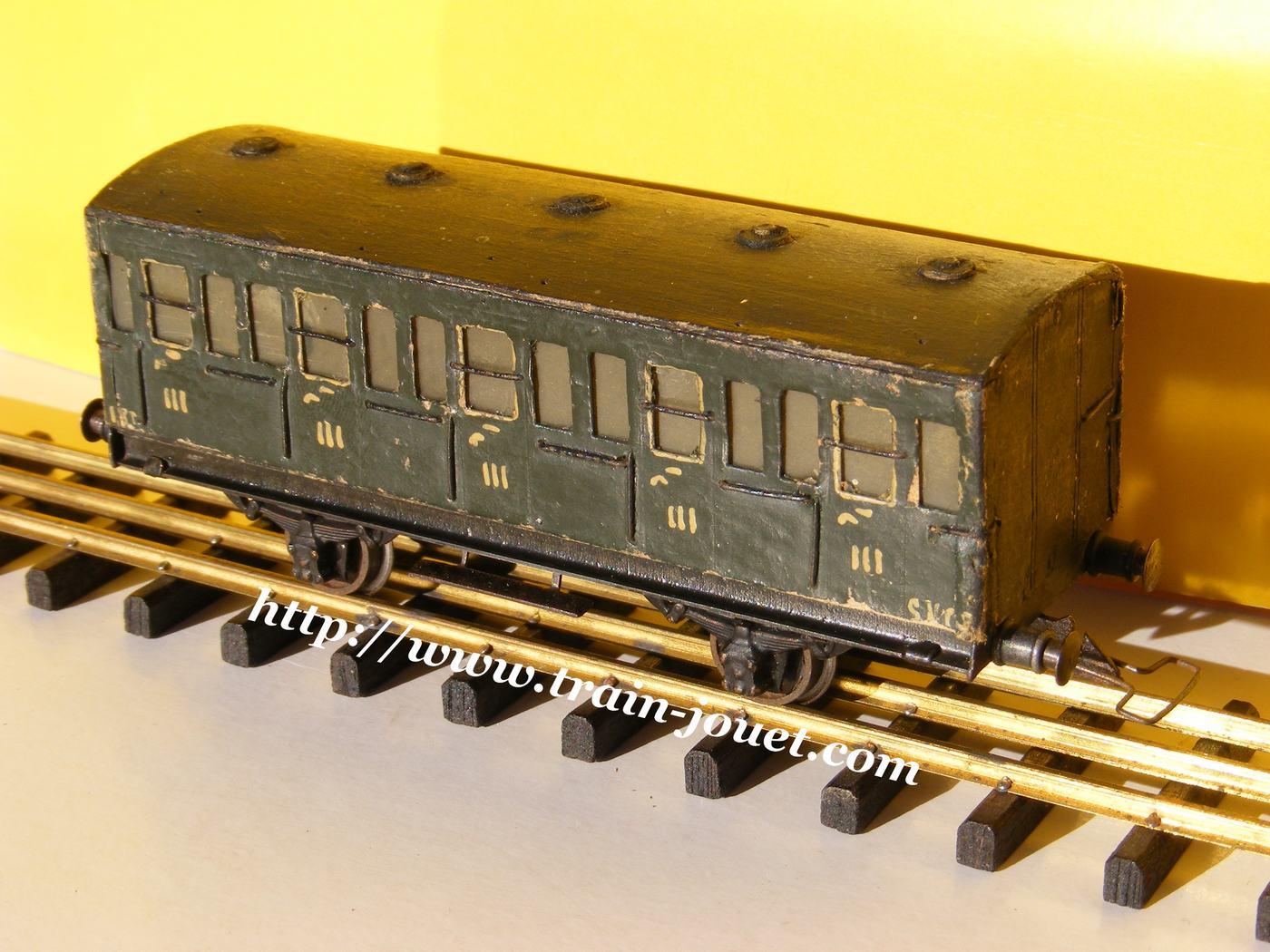 Assez train Au Pélican BD12